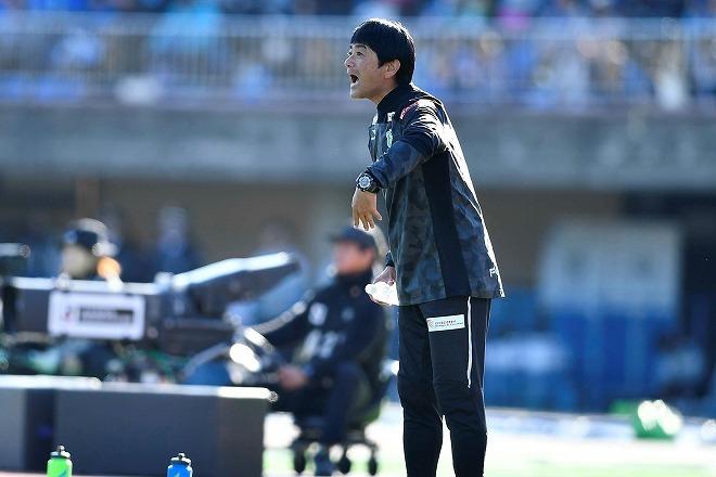 湘南、J1残留に導いた浮嶋敏監督の続投を発表!「攻撃的なチームを ...